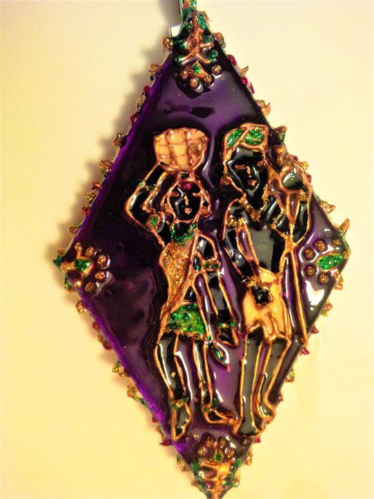 Indian tribal couple pendant - indianArtOnCanvas