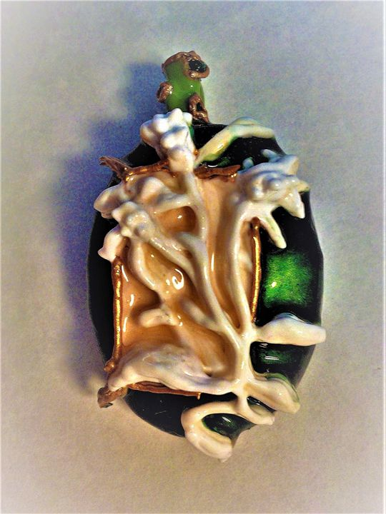 green relief Indian pendant - indianArtOnCanvas