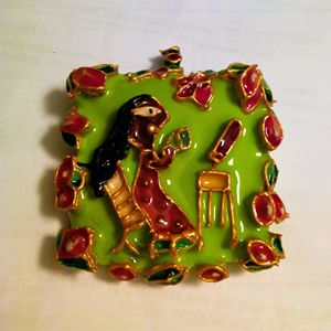Chai break - painted Indian pendant - indianArtOnCanvas