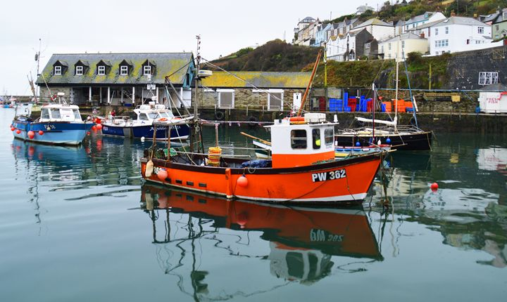 Mevagissey harbour in Cornwall - Helen A. Lisher