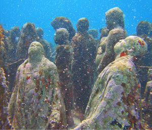UNDER WATER IN CANCUN