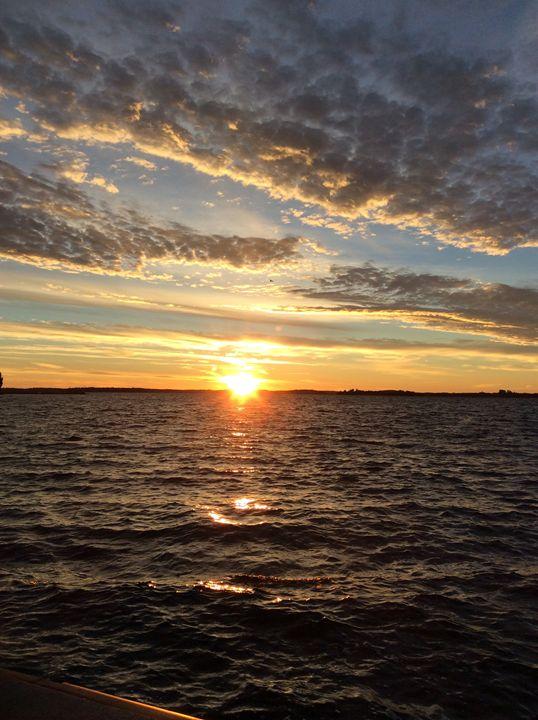 Sunsets & Oceans - Sahar