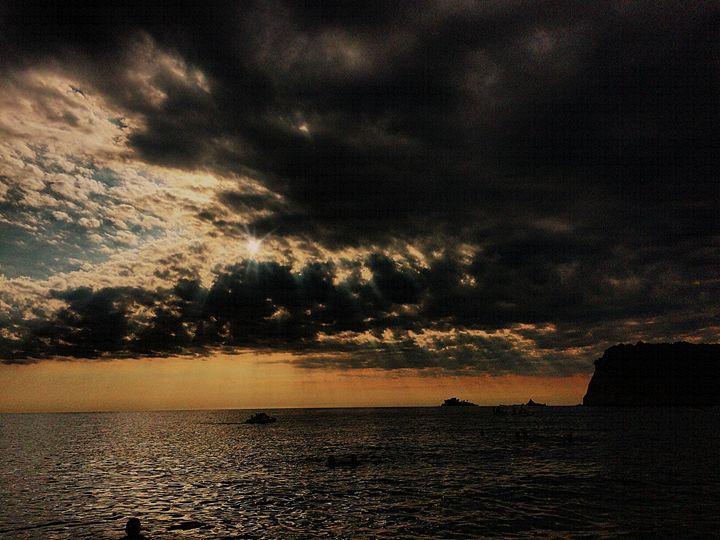 When the sun sets - Kris Artwork