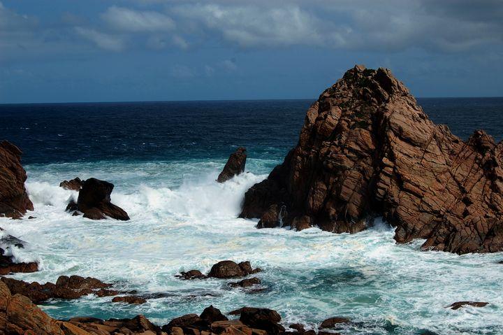 Sugarloaf Rock - Adbetron