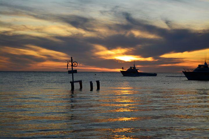 Sundown in Cervantes, - Adbetron