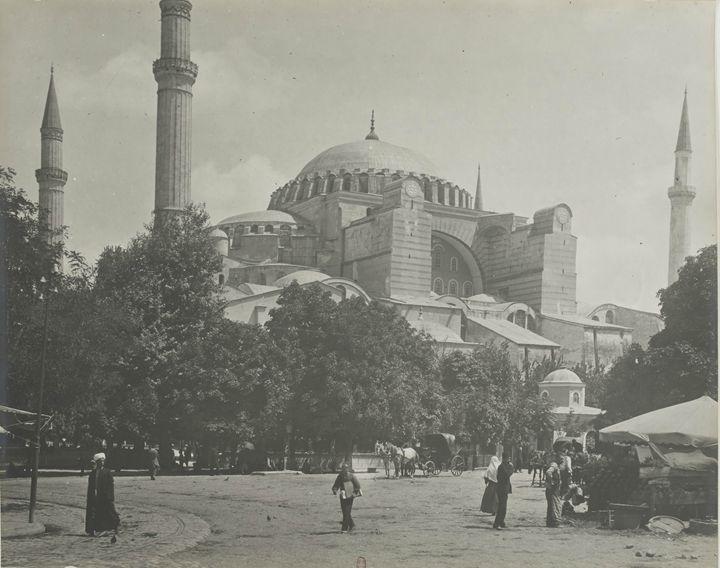 Hagia Sophia mosque, Istanbul, 1900. - OttomanArchives