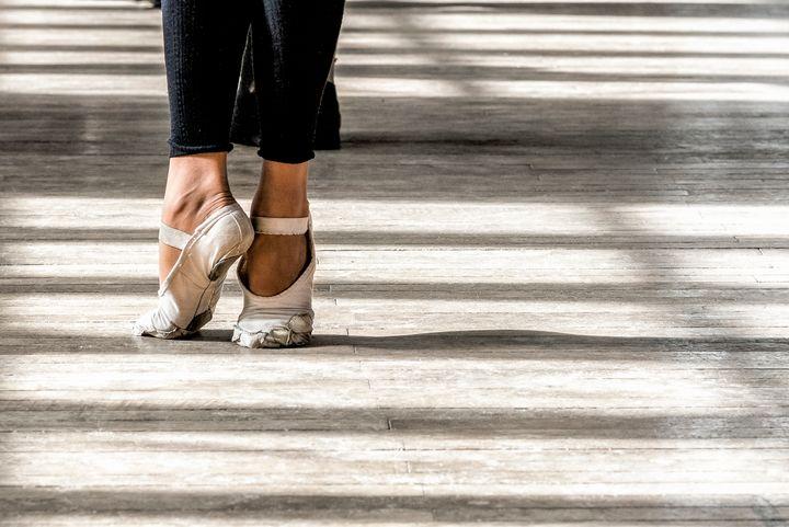 Ballet Feet - Lou Novick