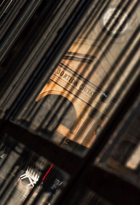 Barcelona Estación de Francia - Photography as an art of seeing beyond the obvious