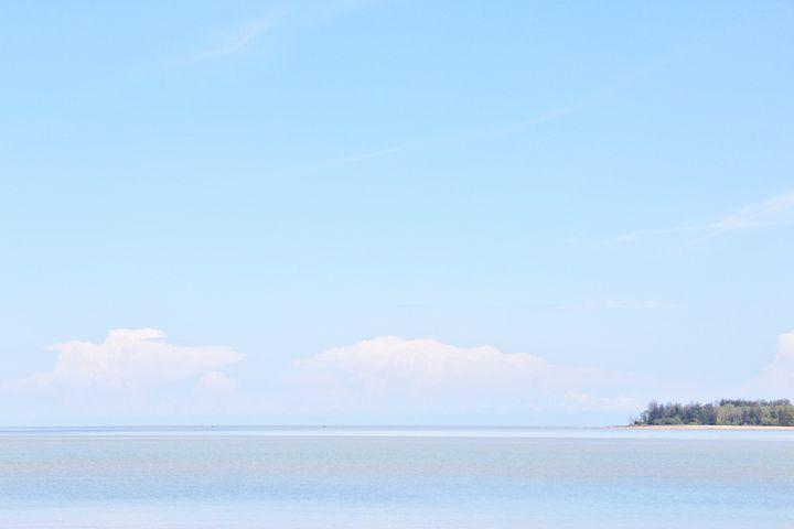 Horizon with pristine Belawai - JAVE