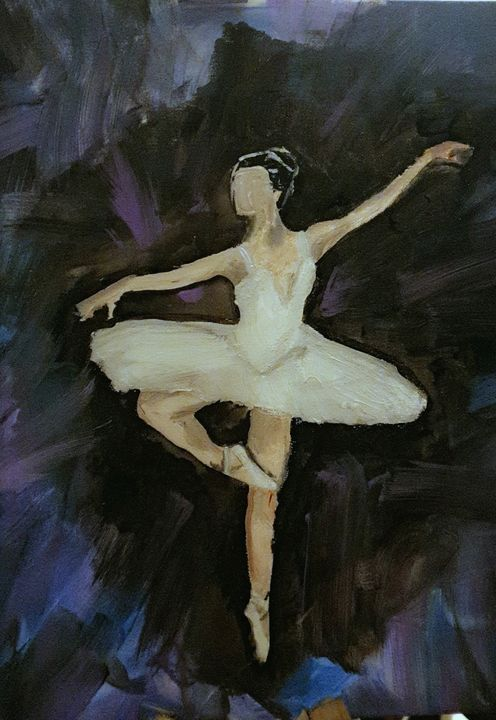 Serenity white figure - Lola Smith