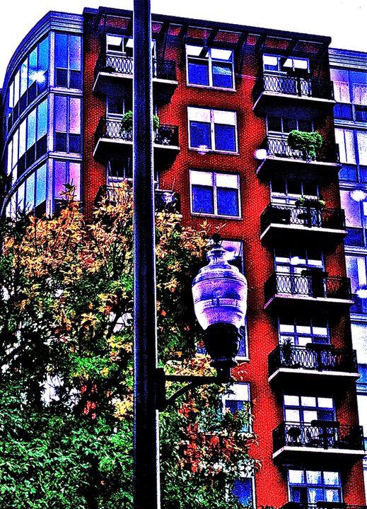 VIOLET CITY LAMP POST - Tirzah Fujii