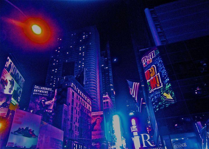 TIMESQUARE NIGHT CHAOTIC GLOW - Tirzah Fujii