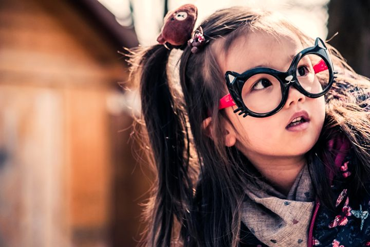 Cute girl with funny glasses - Willcobain