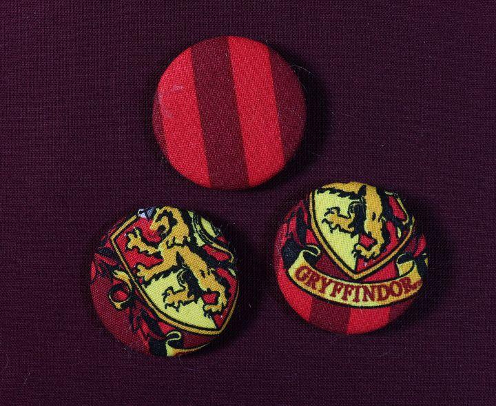 Gryffindor Pin Badges - Alchemy Art