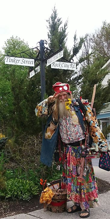 Grandpa Woodstock - Ravencassidy
