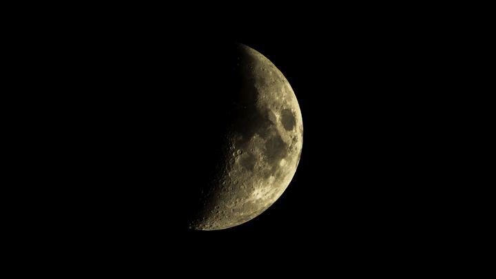 Half Moon - Bogdan Dumitrescu