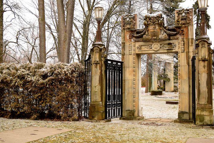 Entrance Valley - Creative Gallery