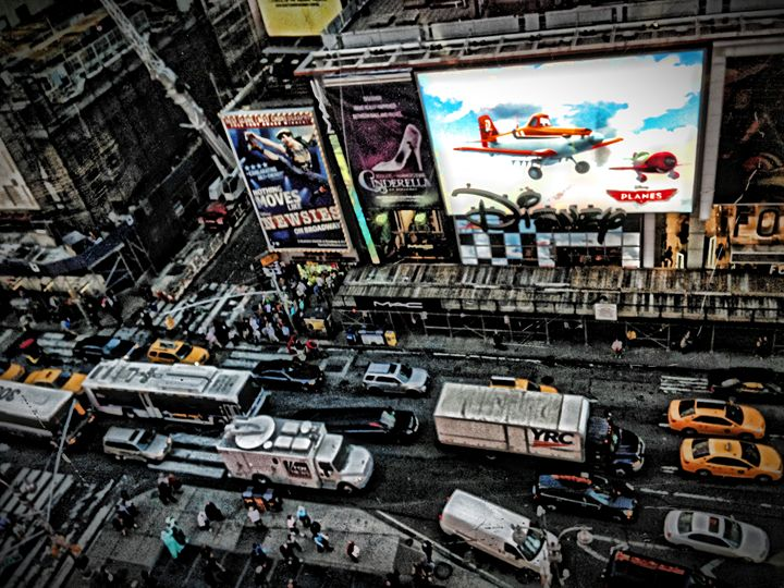 HDR - Times Square - Visions of the World
