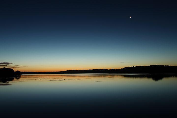 Dawn at the lake - Urban Faced