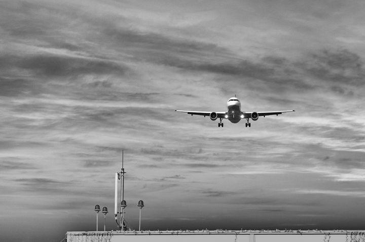 One minute before landing - Serhii Simonov photographer