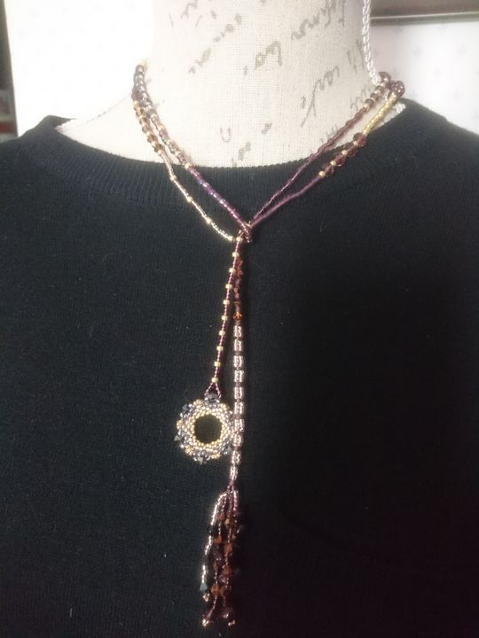 Garnet and seed beads lariat - EllaBijoux