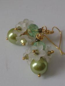 White flowers earrings