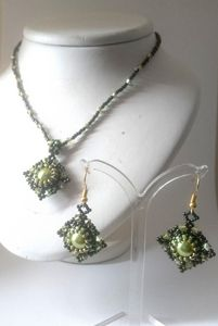 Olivia - necklace and earrings set
