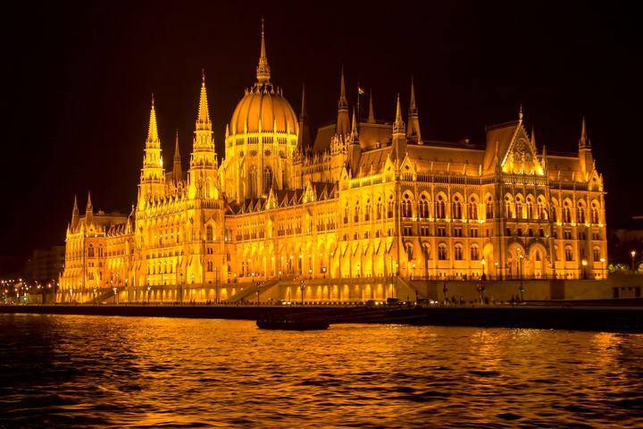 Hungarian Parliament Building - DVArt