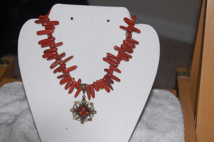 Handmade Beaded Necklace - pendant - My creations