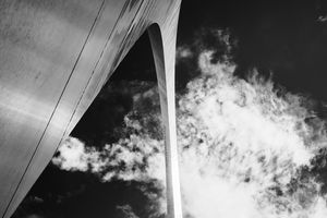 Perspective at Gateway Arch - Social Shot