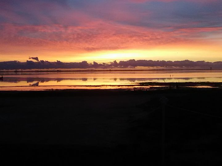 Sunrise over the bay - Shaelysunshine