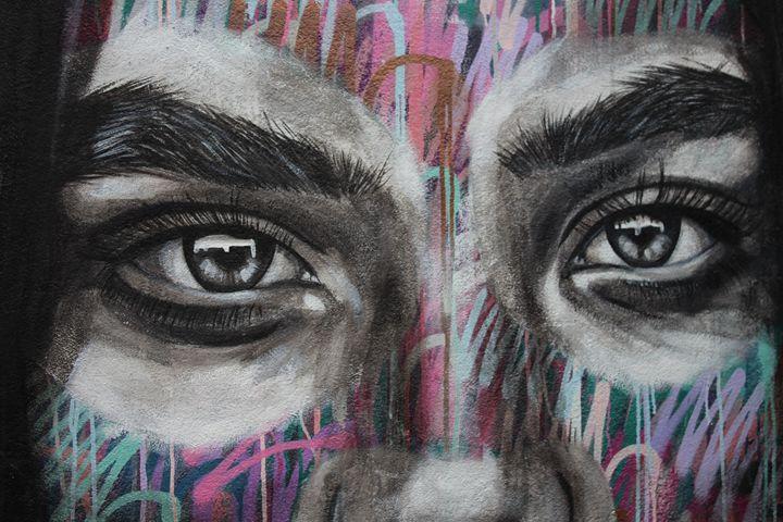 Urban Eyes - Emma & Welcome X