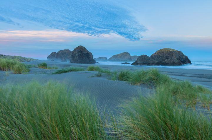 oregon coast dawn - Jonathan Nguyen