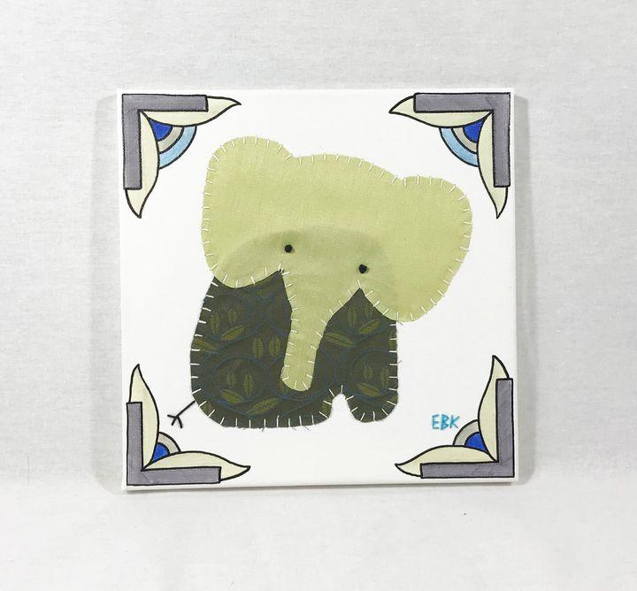 Sitting Elephant #35 - Erin Brie Art