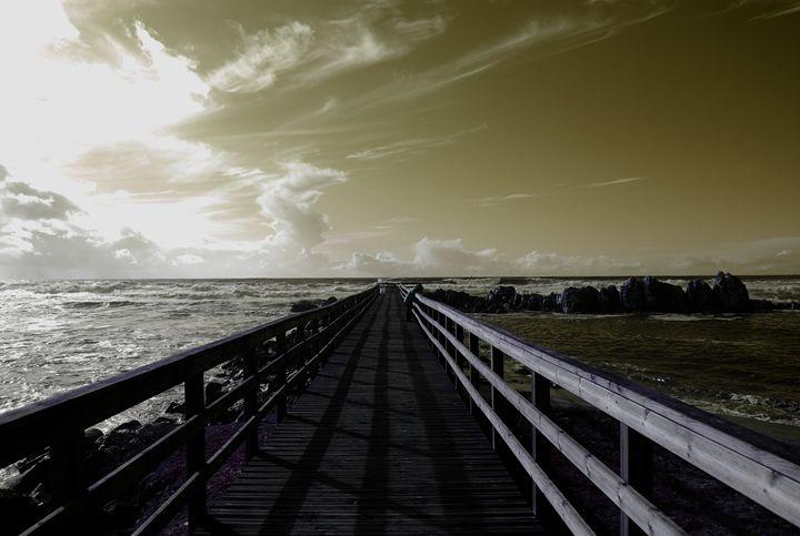 Little Girl On The Pier - blakelsa