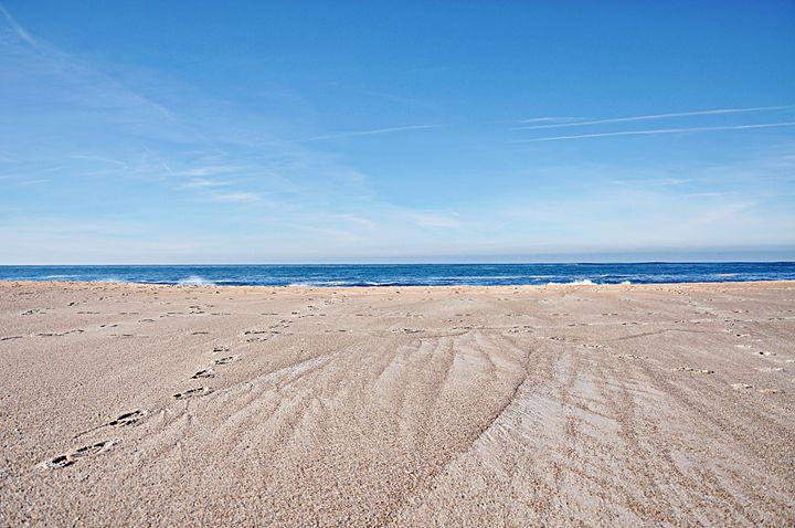 Footprints In The Sand - blakelsa