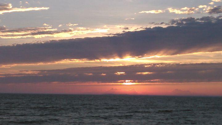Warm Lake Erie Sunset - German Perfection