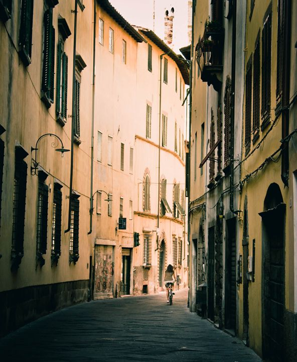 Lucca, Tuscany, Italy - Indiga Christy Photography