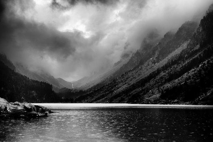 bad weather @the lake - Christian Schwarz - Reframing the world