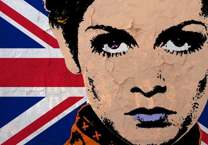 TWIGGY-UK POP - IMPACTEES STREETWEAR ARTWORKS