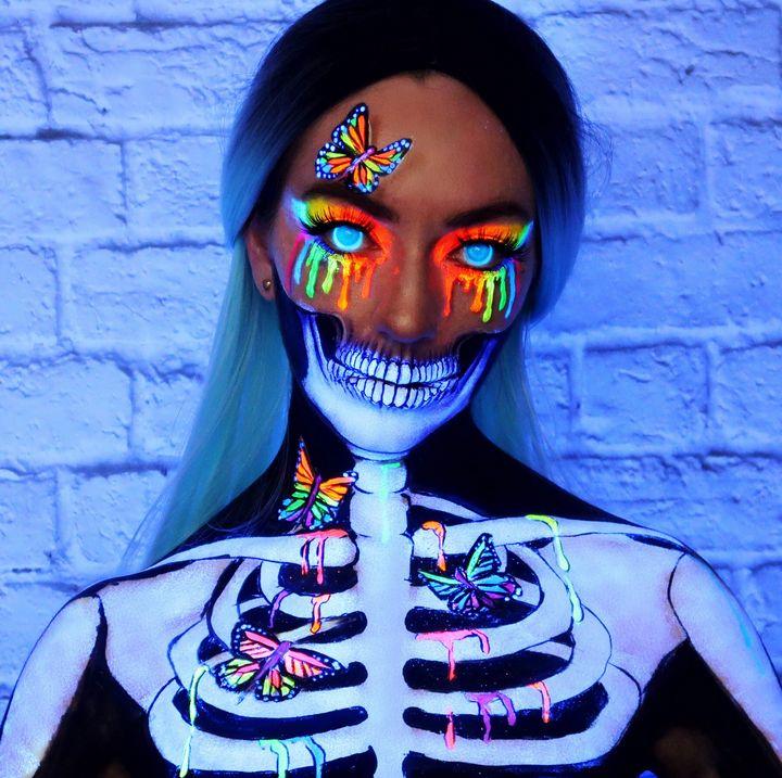 Black light eyes - Katie Cole Body Painting