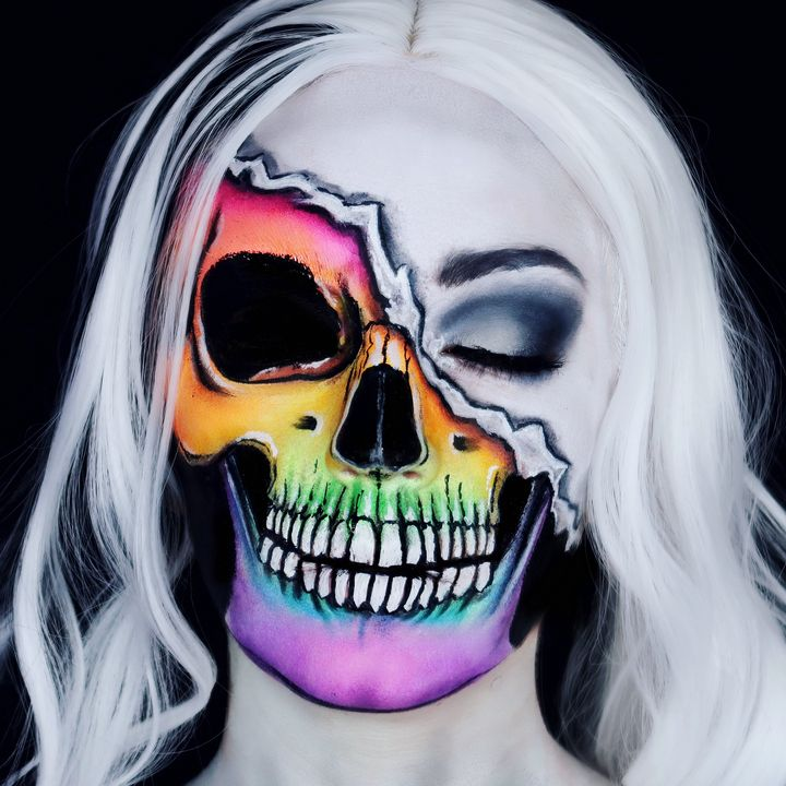 Don't Judge a Book by its Cover 2 - Katie Cole Body Painting
