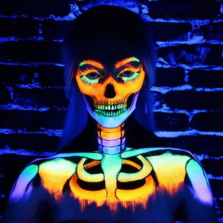 Black Light Skull - Katie Cole Body Painting