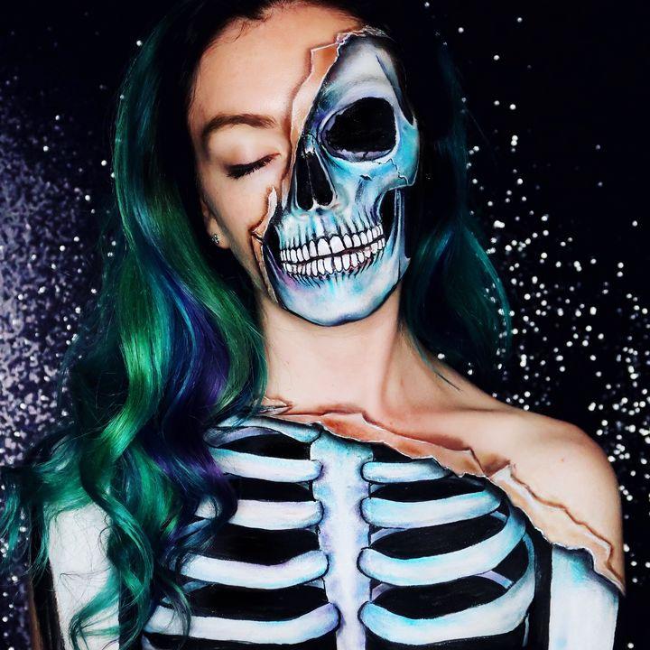 Torn Skeleton - Katie Cole Body Painting