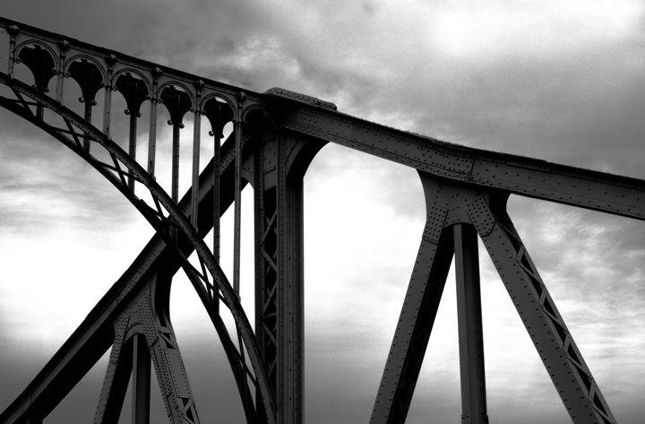 The Dark Bridge - DANIEL RAVEL PHOTOGRAPHY