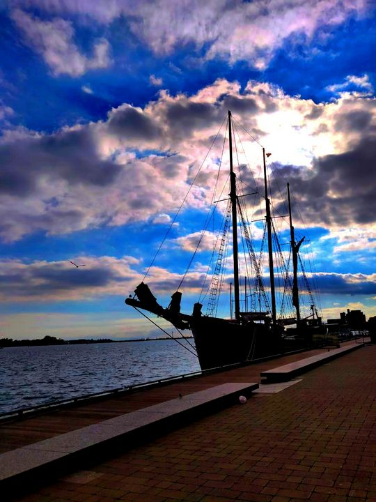 Pirate Ship - Toronto Harbourfront - City View Photographs