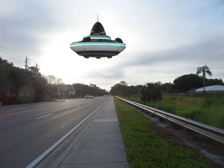 UFO HOVER - Pepsiart