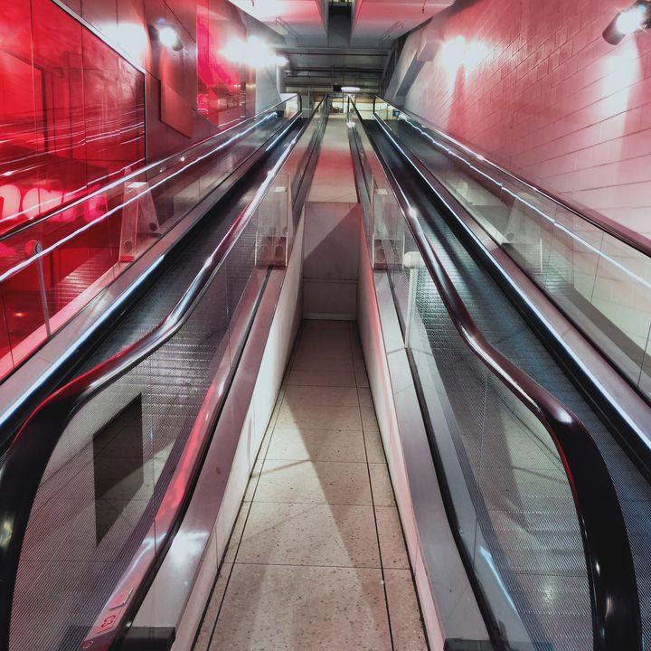 Red Steel - Dellene  Becker
