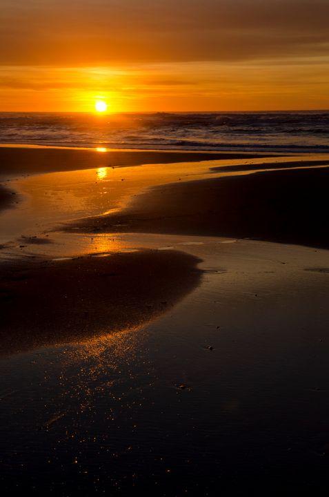Sunset Along The Oregon Coast - Rick Nye's Art On Canvas