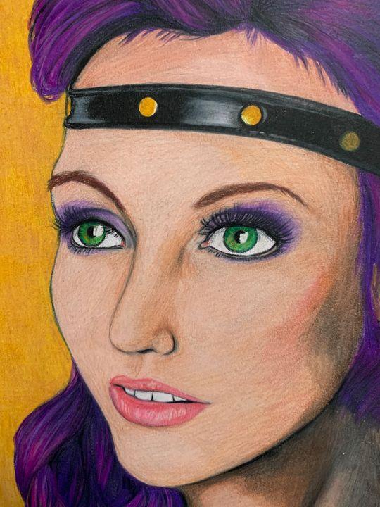 Woman with purple hair - Nree